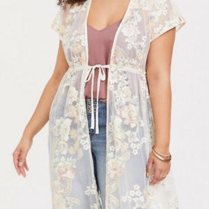 Torrid IVORY FLORAL EMBROIDERED LACE KIMONO 00